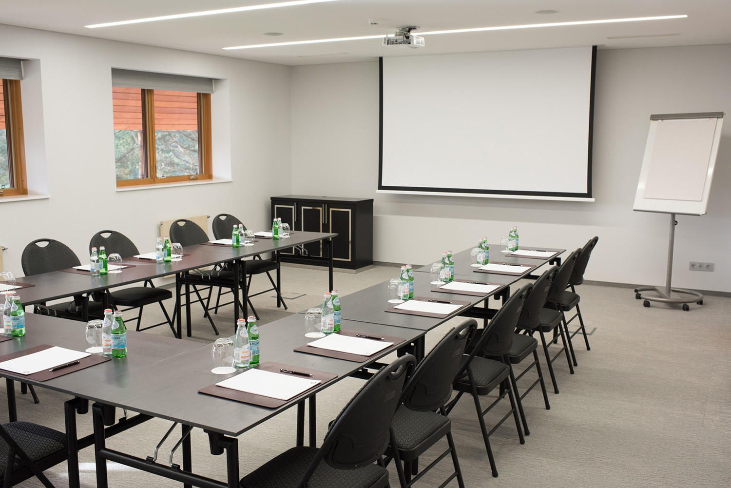 Small conference hall-4